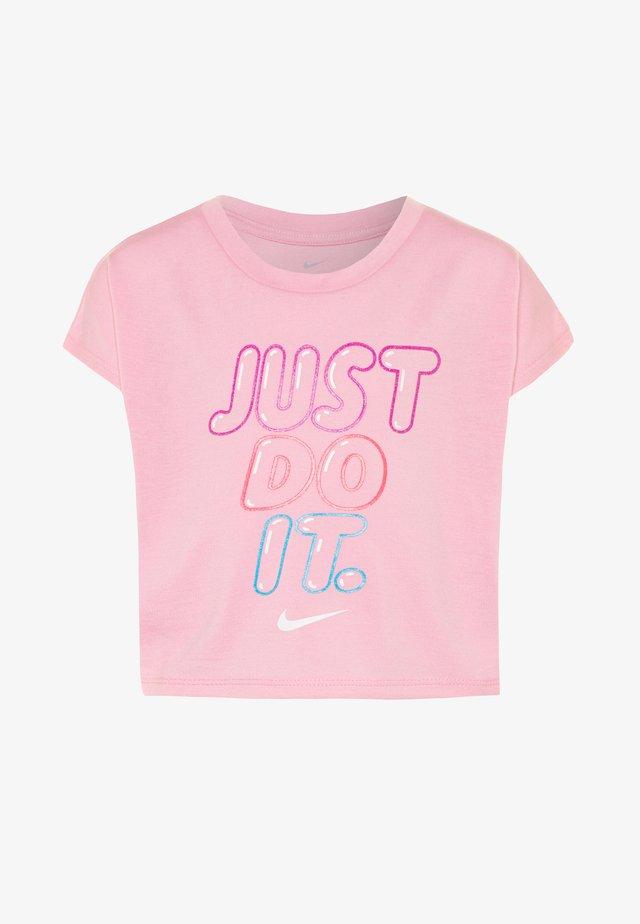 BUBBLE BOXY - T-shirt med print - pink