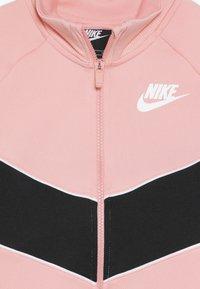 Nike Sportswear - HERITAGE  - Zip-up hoodie - bleached coral/black/white - 4