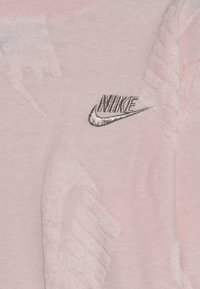 Nike Sportswear - FUTURA NOVELTY CREW - Long sleeved top - echo pink heather - 3