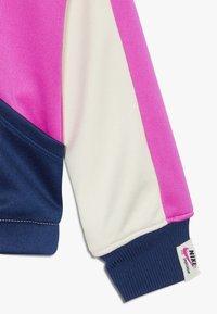 Nike Sportswear - HERITAGE  - Training jacket - offwhite/dark blue/pink - 4