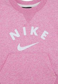 Nike Sportswear - CREW  - Felpa - magic flamingo - 4