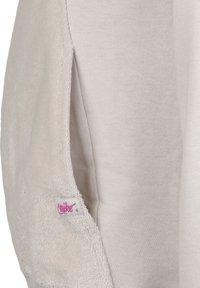 Nike Sportswear - HERITAGE SWEATSHIRT KINDER - Sweater - light orewood brown / fire pink - 2