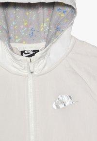 Nike Sportswear - Parka - sail/desert sand - 4