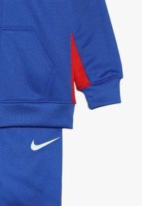 Nike Sportswear - ASYMMETRICAL SET - Survêtement - blue - 6