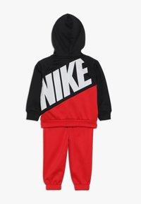 Nike Sportswear - THERMA BABY SET - Trainingspak - university red - 1