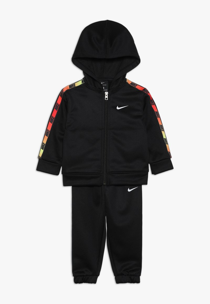 Nike Sportswear - GRADIENT TAPING THERMA BABY SET - Tracksuit - black