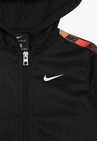 Nike Sportswear - GRADIENT TAPING THERMA BABY SET - Tepláková souprava - black - 5