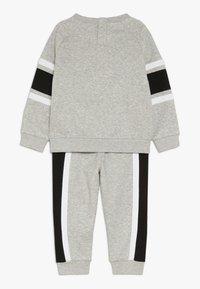 Nike Sportswear - AIR CREW BABY SET - Tepláková souprava - grey heather - 1