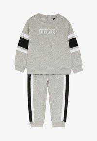 Nike Sportswear - AIR CREW BABY SET - Survêtement - grey heather - 4