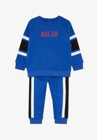Nike Sportswear - AIR CREW BABY SET - Tepláková souprava - game royal - 4