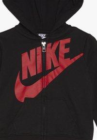 Nike Sportswear - TOSS PANT BABY SET - Body - university red - 4