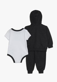 Nike Sportswear - SPLIT FUTURA PANT BABY SET - Body - black heather - 1