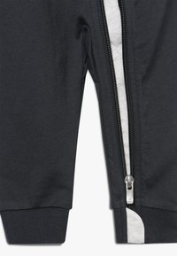 Nike Sportswear - CHEVRON COVERALL BABY - Grenouillère - anthracite - 3