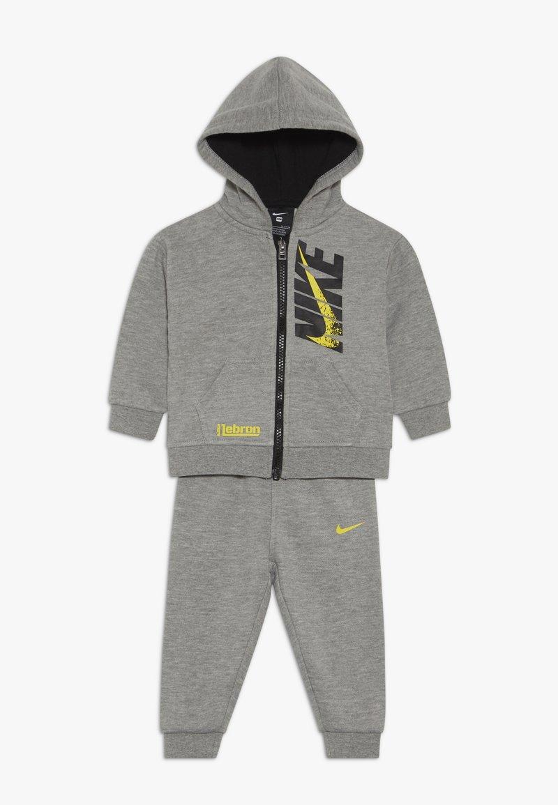 Nike Sportswear - LEBRON PANT SET - Sudadera con cremallera - grey heather