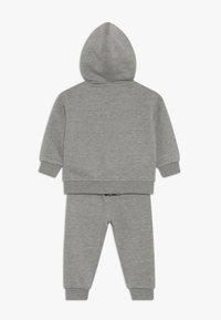 Nike Sportswear - LEBRON PANT SET - Sudadera con cremallera - grey heather - 1