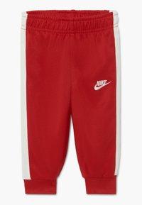 Nike Sportswear - AIR SET - Survêtement - university red - 2