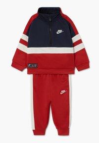 Nike Sportswear - AIR SET - Survêtement - university red - 0
