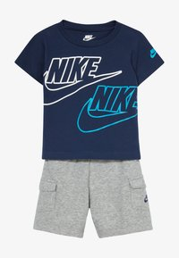 Nike Sportswear - CARGO BABY SET - Kraťasy - dark grey heather - 4