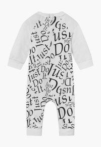 Nike Sportswear - COVERALL BABY - Combinaison - white - 1