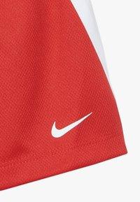 Nike Sportswear - BABY SET - Short - university red - 3