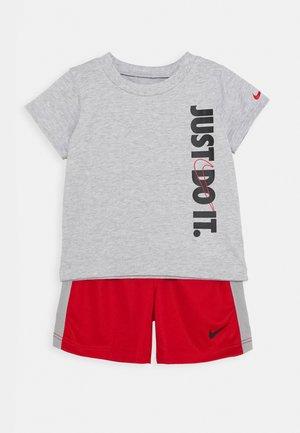 SET BABY - Shorts - university red