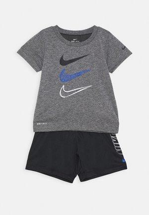 TEE SET - Shorts - black/smoke grey