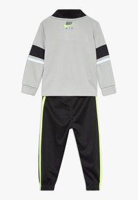 Nike Sportswear - AIR JOGGER SET BABY - Chándal - black - 1