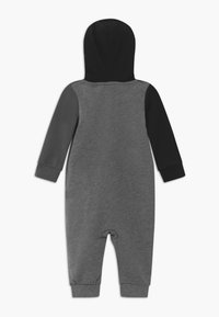 Nike Sportswear - AMPLIFY HOODED COVERALL BABY - Jumpsuit - black - 1