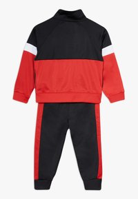 Nike Sportswear - COLOR BLOCK TRICOT BABY SET - Collegetakki - black - 1