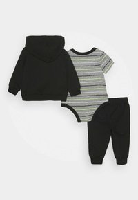 Nike Sportswear - STRIPE PANT SET - Body - black