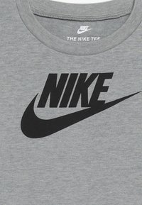 Nike Sportswear - FUTURA TEE BABY - T-shirt print - dark grey heather - 3