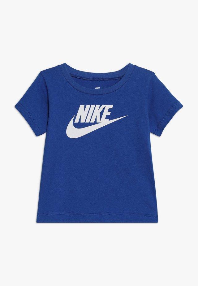 FUTURA TEE BABY - T-shirt imprimé - game royal