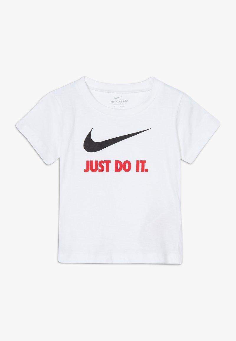Nike Sportswear - TEE BABY - Camiseta estampada - white/red