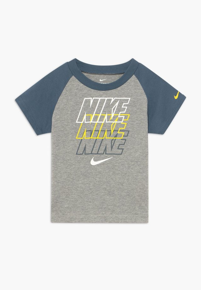 REBRAND REPEAT TEE BABY - T-shirt con stampa - grey heather