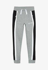 dark grey heather/white/black