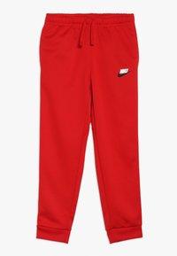 Nike Sportswear - REPEAT PANT POLY - Teplákové kalhoty - university red/white - 0