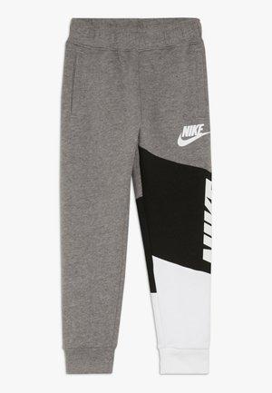 NIKE CORE PANT - Pantalon de survêtement - carbon heather