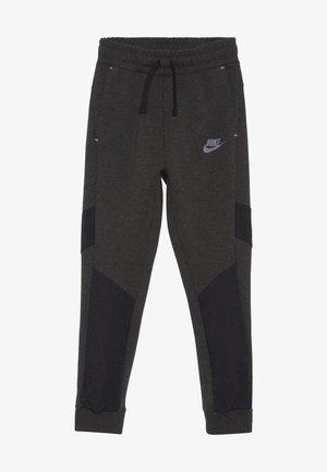 TECH PANT WINTERIZED - Pantalon de survêtement - black/heather