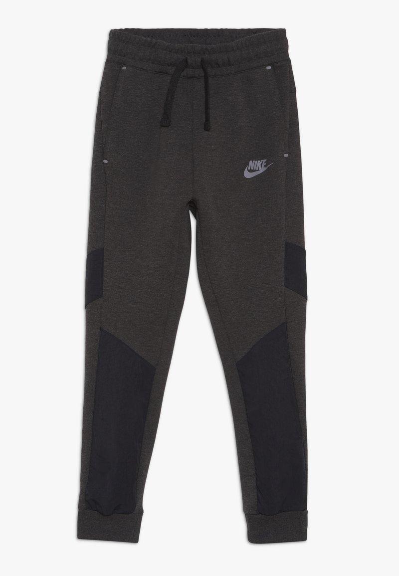 Nike Sportswear - TECH PANT WINTERIZED - Tracksuit bottoms - black/heather