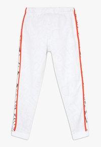 Nike Sportswear - Teplákové kalhoty - white/team orange - 1
