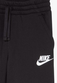Nike Sportswear - CLUB SHORT - Shorts - black/black/white - 3