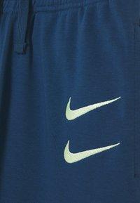 Nike Sportswear - Trainingsbroek - blue force/barely volt - 3