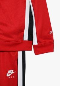 Nike Sportswear - AIR TRACK SUIT - Treningsdress - university red/black/white - 6