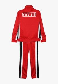 Nike Sportswear - AIR TRACK SUIT - Treningsdress - university red/black/white - 1