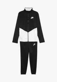 Nike Sportswear - B NSW CORE TRK STE PLY FUTURA - Veste de survêtement - black/white - 4