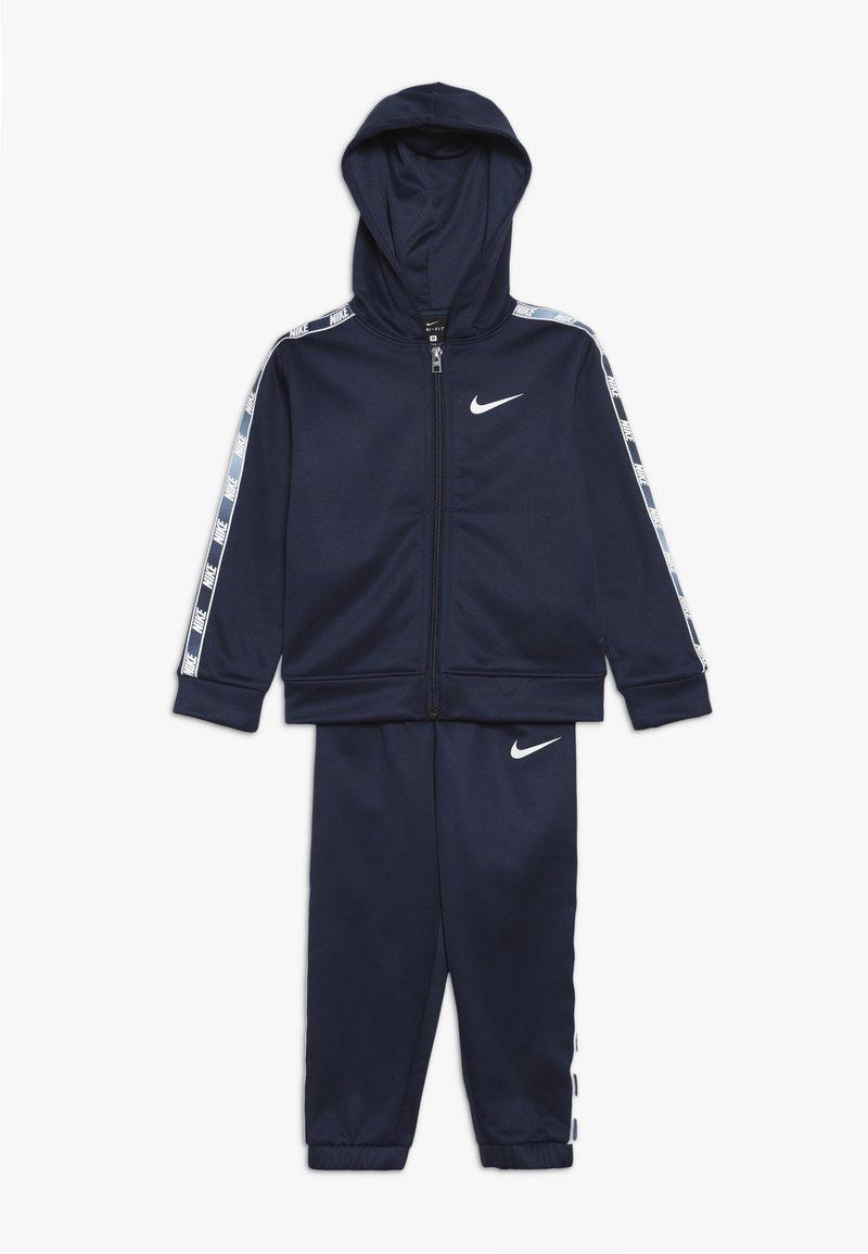 Nike Sportswear - GRADIENT TAPING THERMA SET - Trainingspak - midnight navy