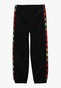 Nike Sportswear - GRADIENT TAPING THERMA SET - Dres - black - 3