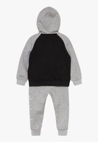 Nike Sportswear - MULTI FUTURA SET - veste en sweat zippée - dark grey heather - 1