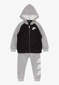 Nike Sportswear - MULTI FUTURA SET - veste en sweat zippée - dark grey heather - 0