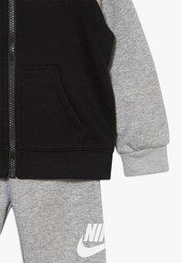 Nike Sportswear - MULTI FUTURA SET - veste en sweat zippée - dark grey heather - 7